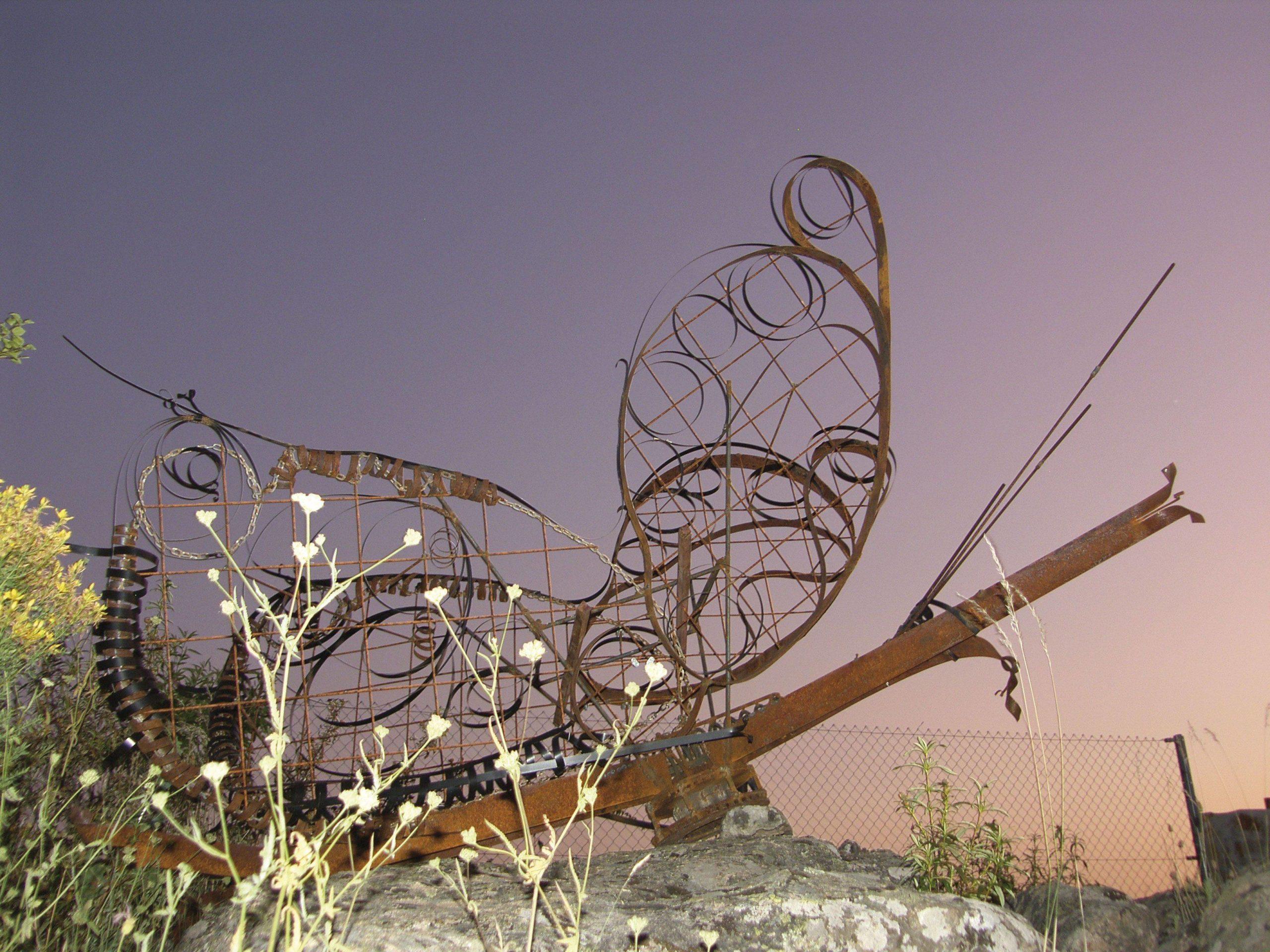 "Escultura: ""Mariposa en reposo"""